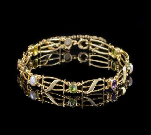 ANTIQUE VICTORIAN SUFFRAGETTE BRACELET YELLOW GOLD CIRCA 1900 front