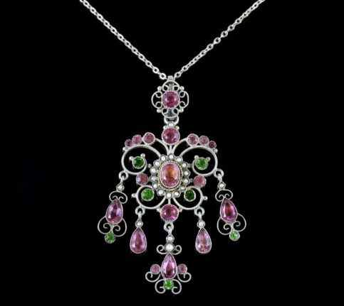 ANTIQUE VICTORIAN SUFFRAGETTE PINK GREEN PASTE PENDANT AND CHAIN CIRCA 1900 FRONT