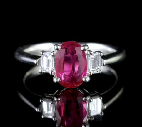 Vintage Ruby Diamond Trilogy Ring 18ct Gold FRONT