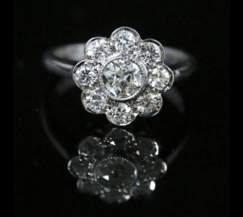 ANTIQUE DIAMOND CLUSTER RING - 1.85CT OF DIAMONDS 18CT GOLD