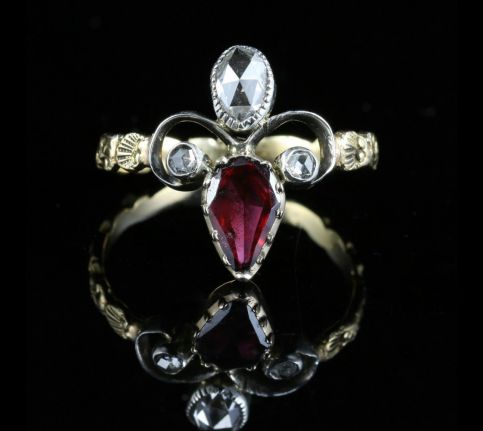 ANTIQUE GEORGIAN GARNET DIAMOND RING 18CT GOLD FLEUR DE LIS