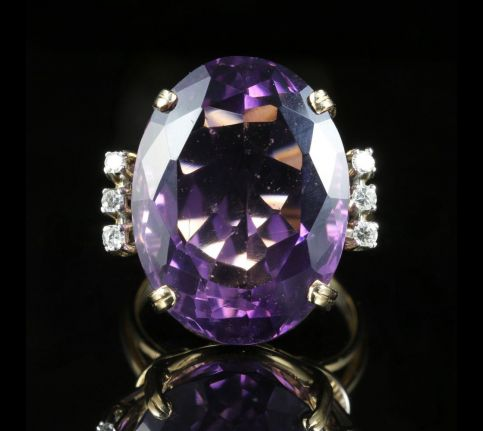Antique Amethyst  Art Deco ring  the Amethyst  is all natural, set in 18ct Yellow Gold.