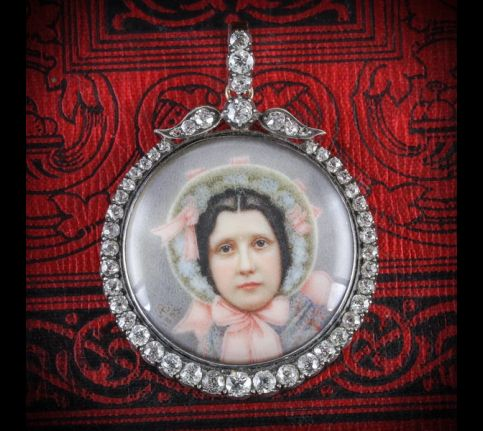 ANTIQUE_SUFFRAGETTE_DIAMOND_PENDANT_-_WIFE_OF_SYBIL_THOMAS_VISCOUNTESS_RHONDDA_FRONT_600x