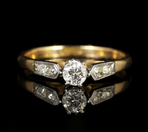 Antique Edwardian Diamond Engagement Ring 18ct Gold Plat Circa 1915 front view