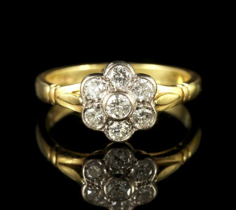 Vintage Diamond Cluster Ring 18ct Gold Hallmarked London 1977 front