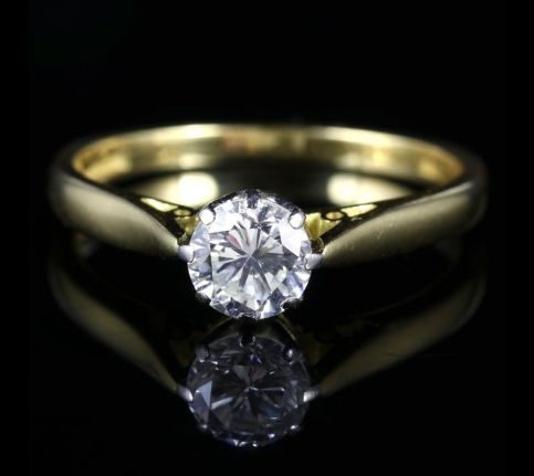 Diamond Solitaire Engagement Ring 18ct Gold 0.70ct VS1 Dated 1977 FRONT