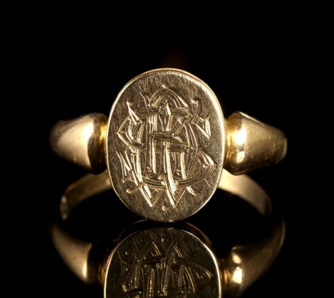 ANTIQUE VICTORIAN POISION LOCKET RING CHESTER 1907 FRONT