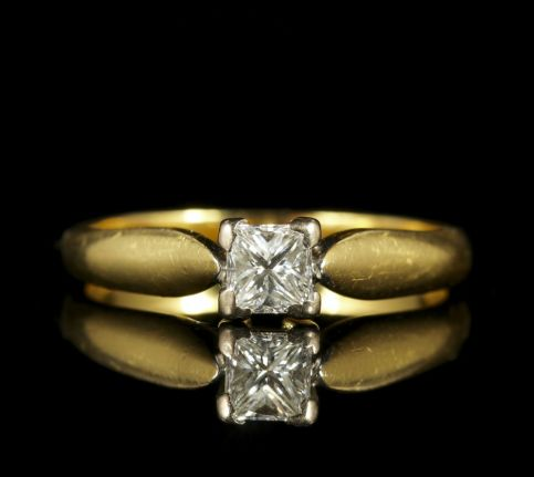 Princess Cut Diamond Solitaire Ring Engagement Ring 18ct Gold front