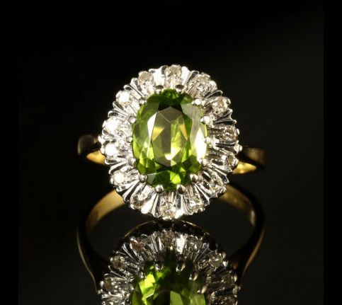 VINTAGE PERIDOT DIAMOND CLUSTER RING ENGAGEMENT RING FRONT