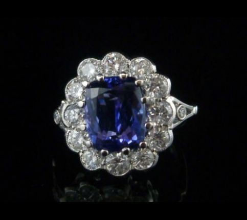 SPECTACULAR 4CT TANZANITE & 1.20CT OLD CUT DIAMOND CLUSTER 18CT